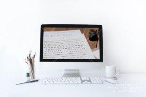 简约办公场景iMac一体机电脑样机PSD模板 iMac mockup – PSD file插图3