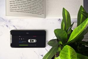 工作室场景iPhone Xs样机模板 iPhone XS in Studio插图4