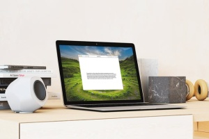 超级本笔记本电脑网页设计展示样机模板 Laptop Mock-up – Interior Set插图2