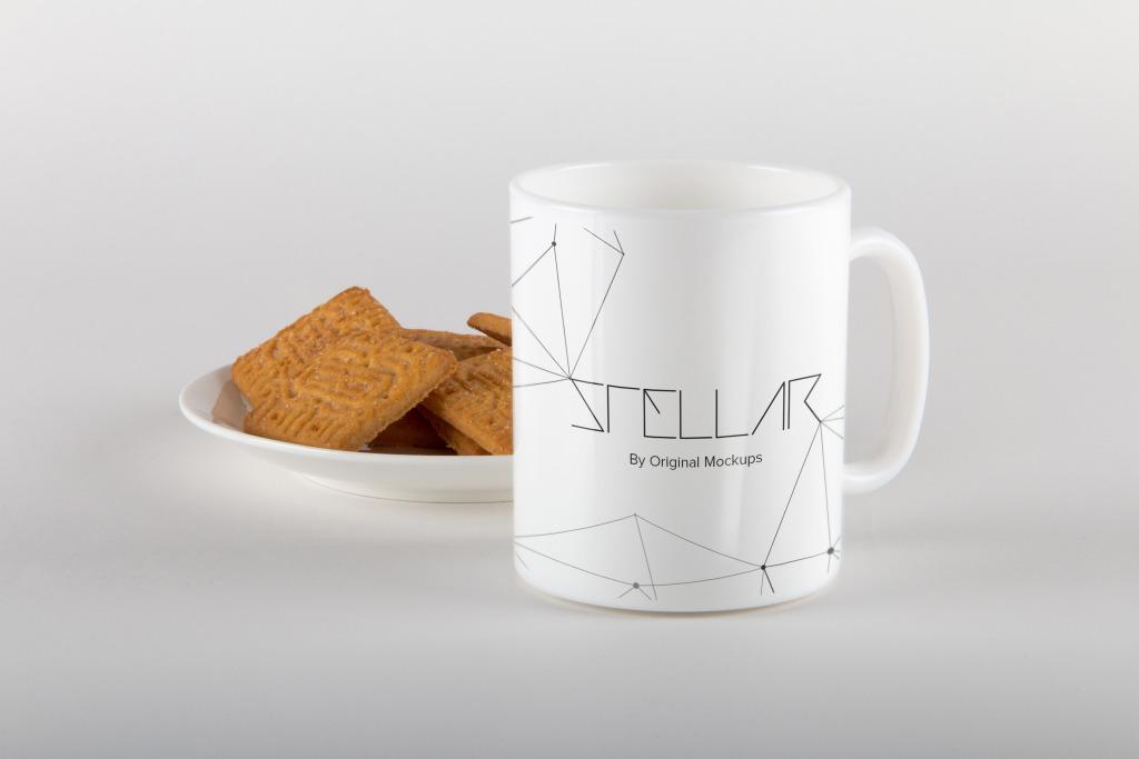 马克杯定制设计效果图样机模板05 Mug with Cookies Mockup 05插图