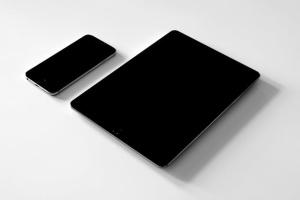 iPhone/iPad响应式设计展示设备样机 iPad iPhone Macbook Responsive Mock-Up Bundle插图2