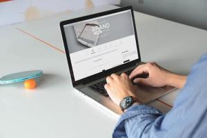 笔记本电脑Macbook设备样机模板 Laptop Macbook Display Mock-Up插图3