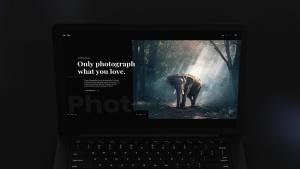 黑色超级笔记本屏幕预览样机模板 Black Laptop Mockup插图2