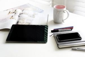 iPhone/iPad响应式设计展示设备样机 iPad iPhone Macbook Responsive Mock-Up Bundle插图6
