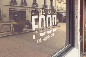 商店橱窗标志设计效果图样机模板 Shop Window Logo Mockup插图4