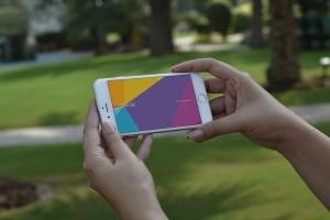 手持旧款iPhone使用场景样机模板 iPhone Mockups插图4