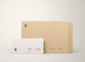 两种尺寸规格信封设计PSD样机模板 Two Size Envelope Mockups .PSD插图1