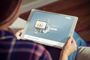 手持iPad Pro平板电脑样机模板 iPad Pro Mockups v5插图2