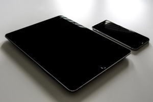 iPhone/iPad响应式设计展示设备样机 iPad iPhone Macbook Responsive Mock-Up Bundle插图4