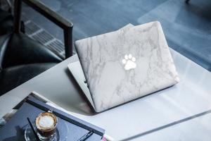 Macbook A面定制外观样机模板 MacBook Skin Mock-Up插图1