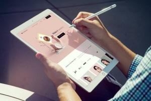 手持iPad Pro设备样机模板v8 iPad Pro Mockups v8插图4