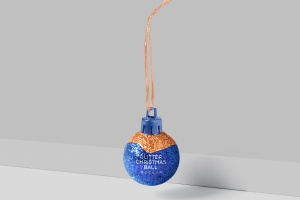 闪闪发光圣诞装饰球样机模板 Glitter Christmas Ball Mockup插图1