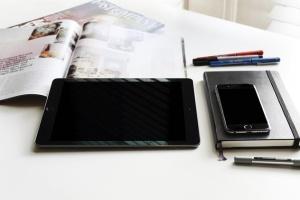 iPhone/iPad响应式设计展示设备样机 iPad iPhone Macbook Responsive Mock-Up Bundle插图3