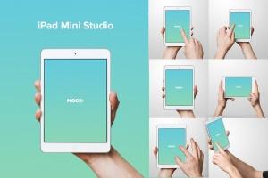 手持iPad Mini设备演示样机模板 iPad Mini Studio Mockups插图1