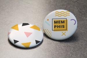 服装别针品牌设计元素展示样机模板 Brand Pin Mockup插图2