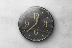 逼真圆形传统指针挂钟样机 Wall Clock Mockup插图1