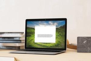 超级本笔记本电脑网页设计展示样机模板 Laptop Mock-up – Interior Set插图5