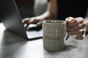 办公场景咖啡杯马克杯样机 Coffee cup design Mockup插图1