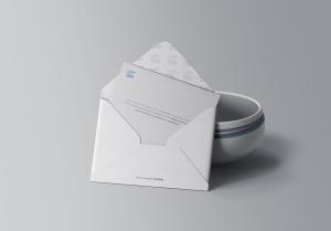 企业信封开启状态设计预览样机模板 Envelope with Bowl Mockup插图1