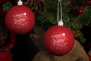 圣诞节装饰球设计效果图样机 Christmas Ball Mock Up插图1