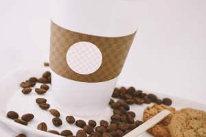 咖啡品牌VI设计预览咖啡杯特写视图样机 Large Coffee Cup Mockup – Close up View插图2