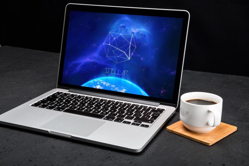 13寸MacBook Pro苹果笔记本电脑屏幕设计样机模板02 MacBook Pro Retina 13 Mockup 02插图