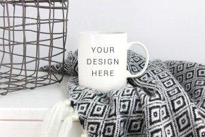 白色咖啡杯马克杯样机 Mug mockup, white coffee lifestyle插图1