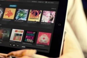 平板APP应用界面设计演示样机模板 Black iPad Tablet App UI Mock-Up插图10