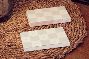 企业名片设计图预览样机模板01 Business Cards Mockup 01插图2